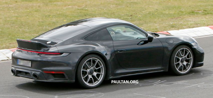 SPIED: Porsche 911 'Sport Classic' testing on track Image #1288181