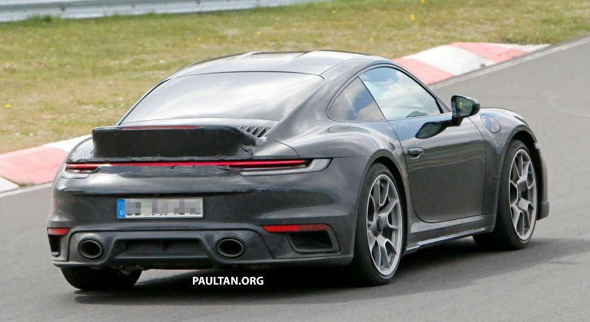 SPIED: Porsche 911 'Sport Classic' testing on track Image #1288183