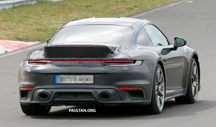 SPIED: Porsche 911 'Sport Classic' testing on track Image #1288184