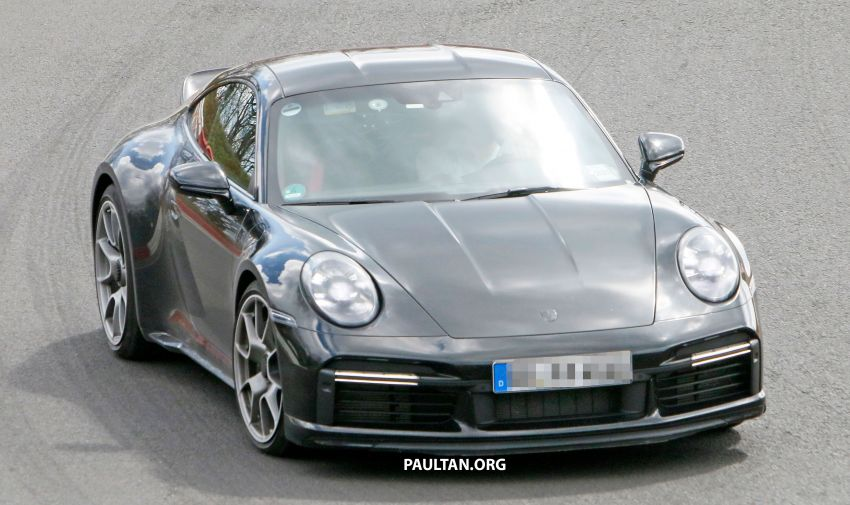 SPIED: Porsche 911 'Sport Classic' testing on track Image #1288172