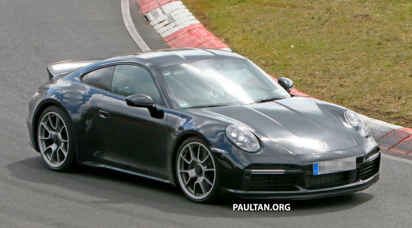 SPIED: Porsche 911 'Sport Classic' testing on track Image #1288174