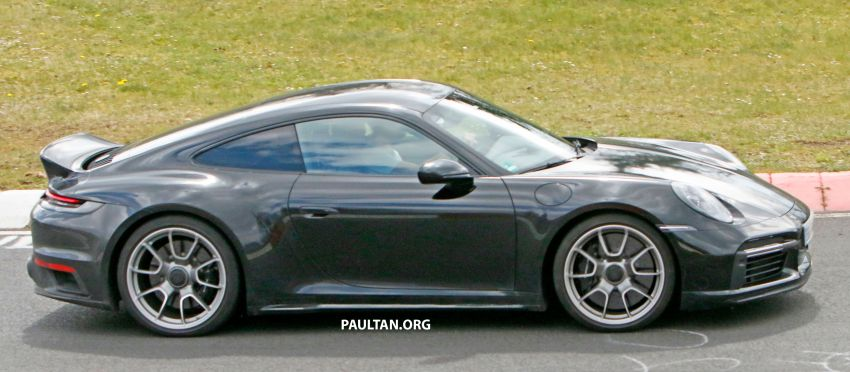 SPIED: Porsche 911 'Sport Classic' testing on track Image #1288177
