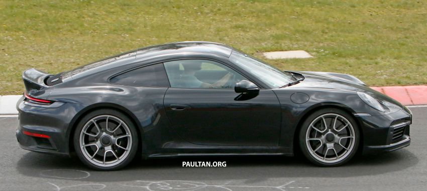 SPIED: Porsche 911 'Sport Classic' testing on track Image #1288178