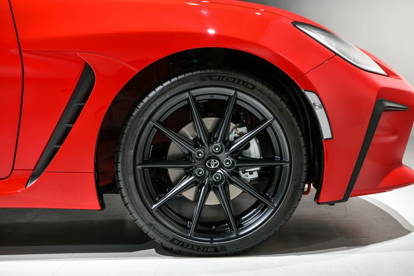 2021 Toyota GR86 debuts in Japan – 2.4L NA flat-four with 235 PS and 250 Nm; six-speed auto and manual Image #1273586