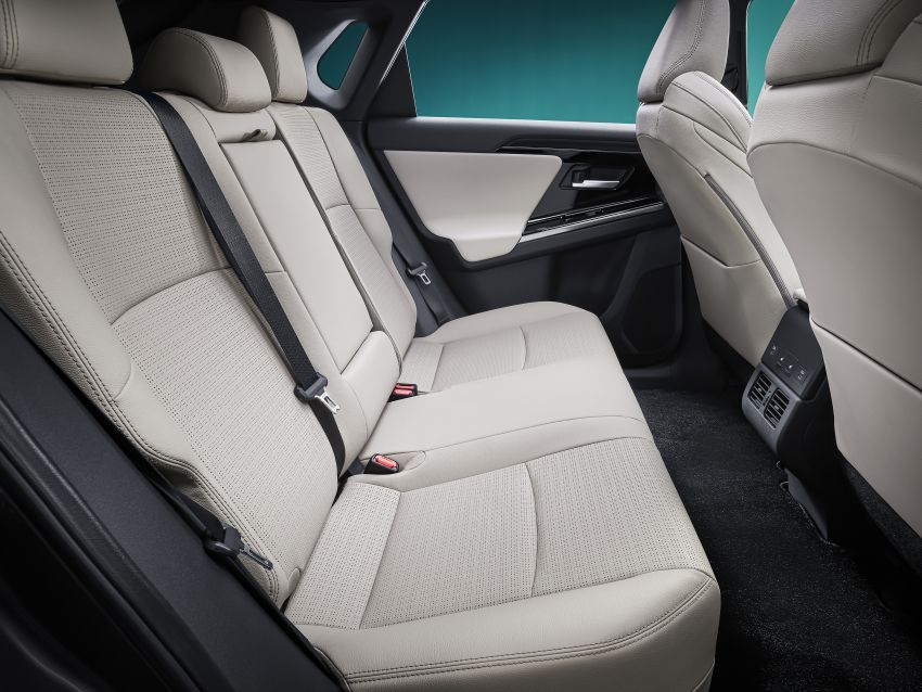 Toyota bZ4X Concept – RAV4-sized electric SUV developed with Subaru, yoke steering, coming 2022 Image #1283318