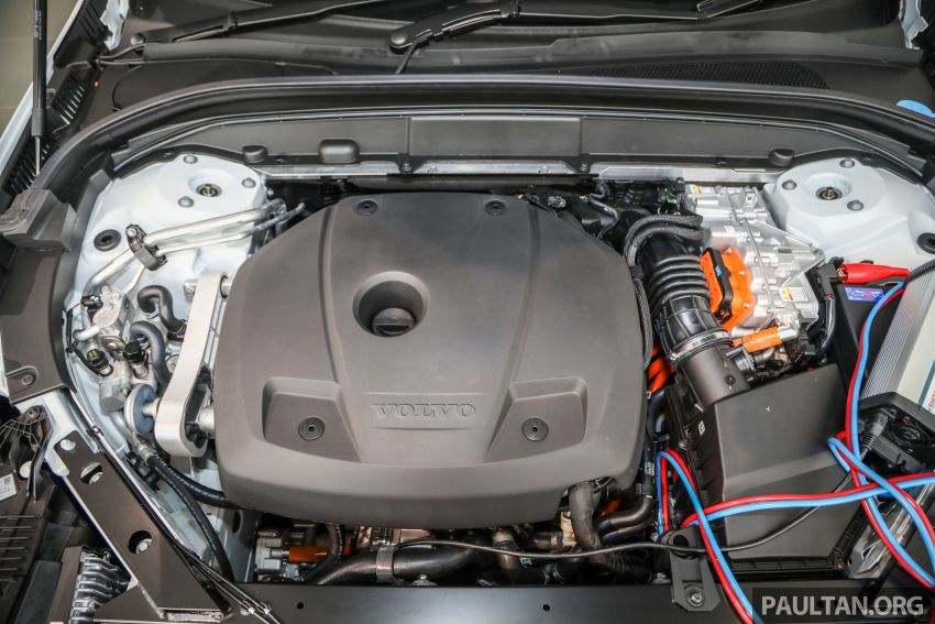 2021 Volvo XC60 in Malaysia – Recharge T8 branding for PHEV, T5 now with Pilot Assist, RM278k to RM325k Image #1287556