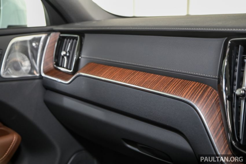 2021 Volvo XC60 in Malaysia – Recharge T8 branding for PHEV, T5 now with Pilot Assist, RM278k to RM325k Image #1287572