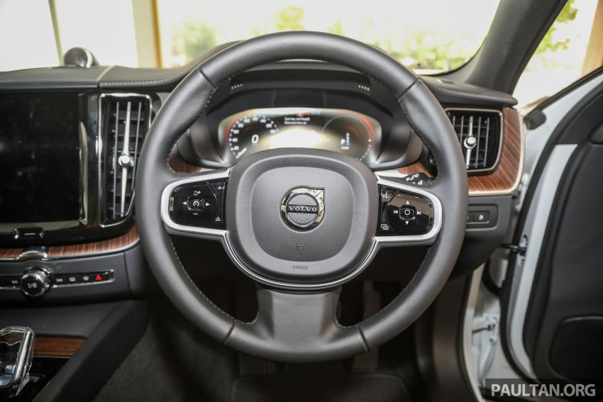 2021 Volvo XC60 in Malaysia – Recharge T8 branding for PHEV, T5 now with Pilot Assist, RM278k to RM325k Image #1287560