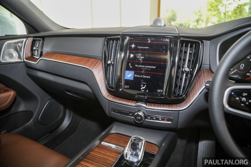 2021 Volvo XC60 in Malaysia – Recharge T8 branding for PHEV, T5 now with Pilot Assist, RM278k to RM325k Image #1287562