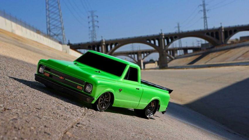Traxxas Drag Slash Chevy Pickup – trak drag kawalan jauh realistik dengan tayar Mickey Thompson sebenar! Image #1299948