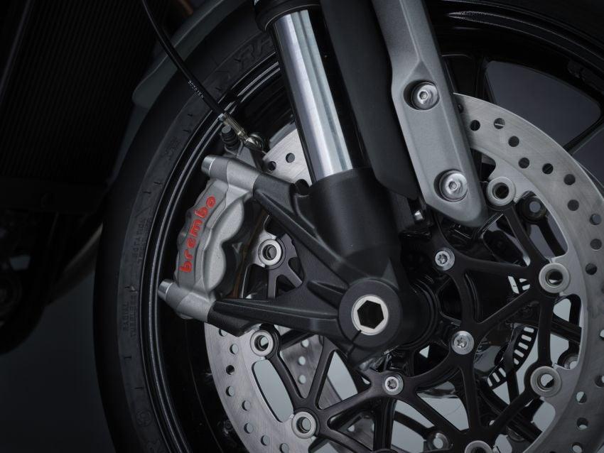 Triumph Speed Twin 2021 diperbaharui – enjin Euro 5, lebih kuasa dan tork, angkup brek Brembo Monobloc Image #1301563