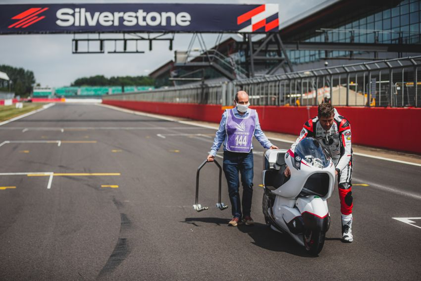 White Motorcycles aims for e-bike land speed record Image #1311405