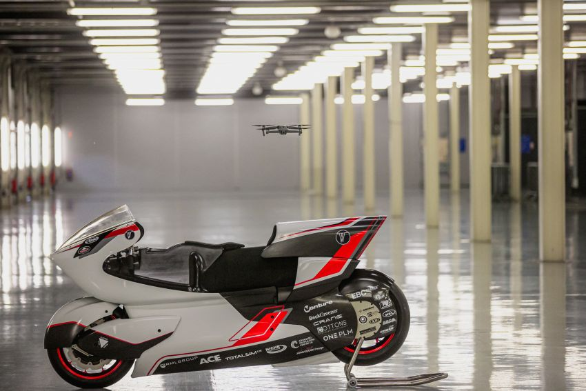 White Motorcycles aims for e-bike land speed record Image #1311407