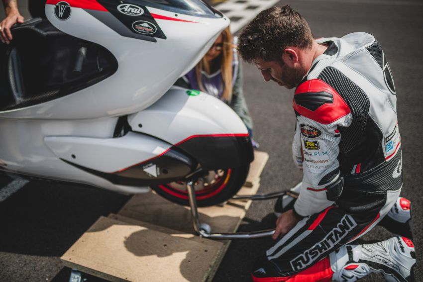 White Motorcycles aims for e-bike land speed record Image #1311400