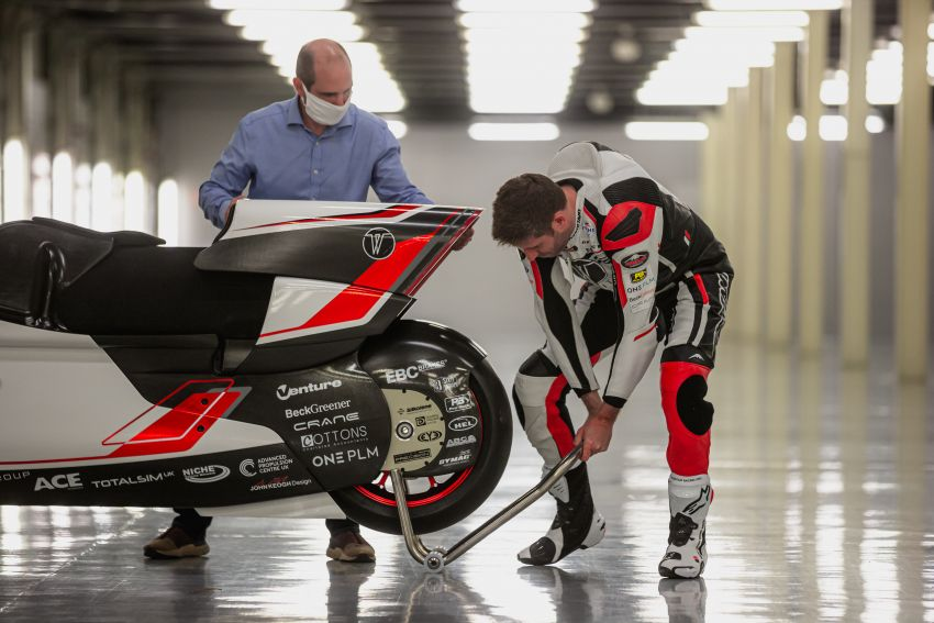 White Motorcycles aims for e-bike land speed record Image #1311401