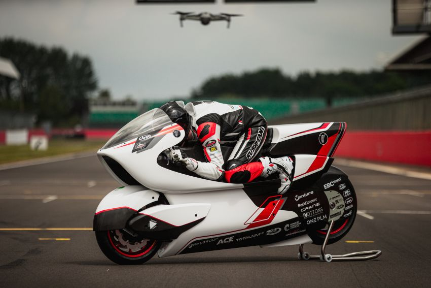 White Motorcycles aims for e-bike land speed record Image #1311402
