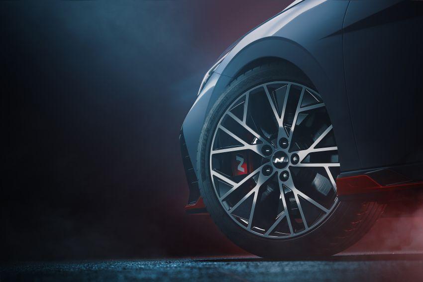 2022 Hyundai Elantra N gets teased in production form Image #1310271