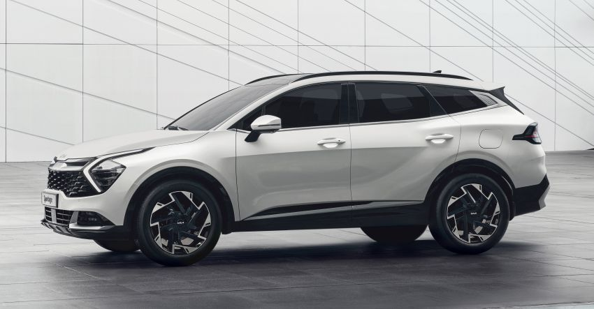 2022 Kia Sportage – fifth-gen SUV with Opposites United design philosophy, integrated curved display Image #1303693