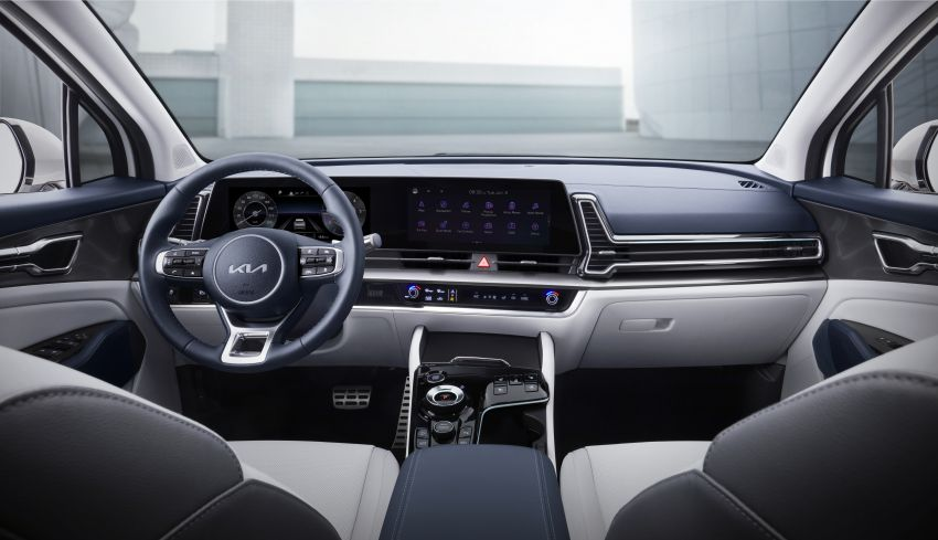 2022 Kia Sportage – fifth-gen SUV with Opposites United design philosophy, integrated curved display Image #1303697