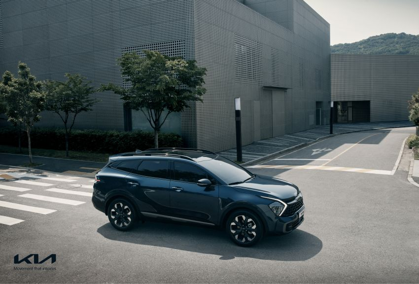 2022 Kia Sportage – fifth-gen SUV with Opposites United design philosophy, integrated curved display Image #1303699