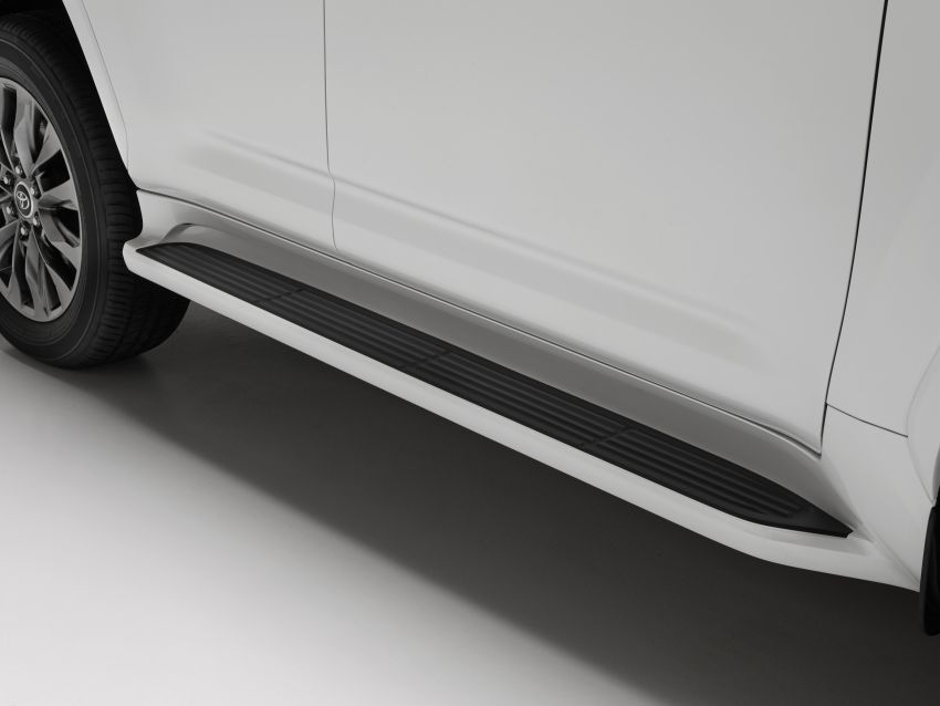 2022 Toyota Land Cruiser 300 Series – new GA-F platform saves 200 kg, V8 dropped for turbo V6 Image #1305473