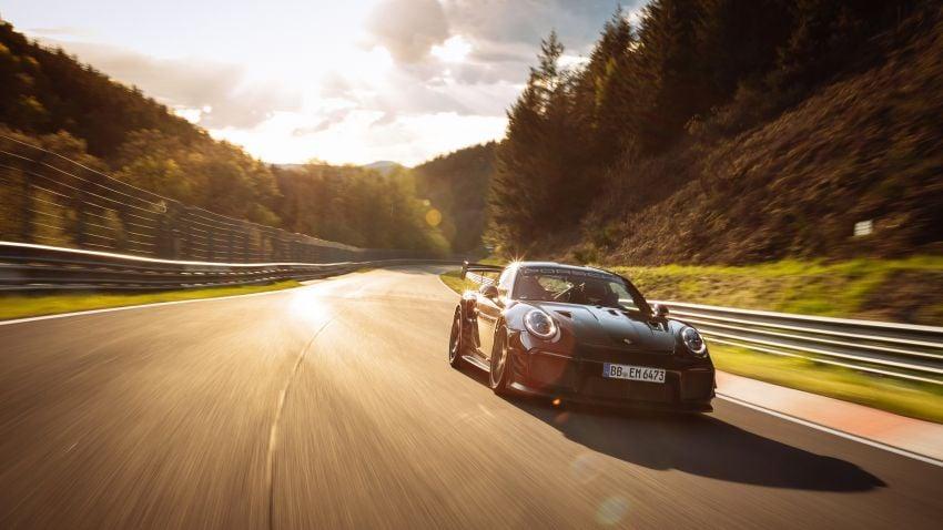 Porsche 911 GT2 RS dengan Manthey Performance Kit kini kereta produksi terpantas di Nürburgring – 6:43.3! Image #1311718