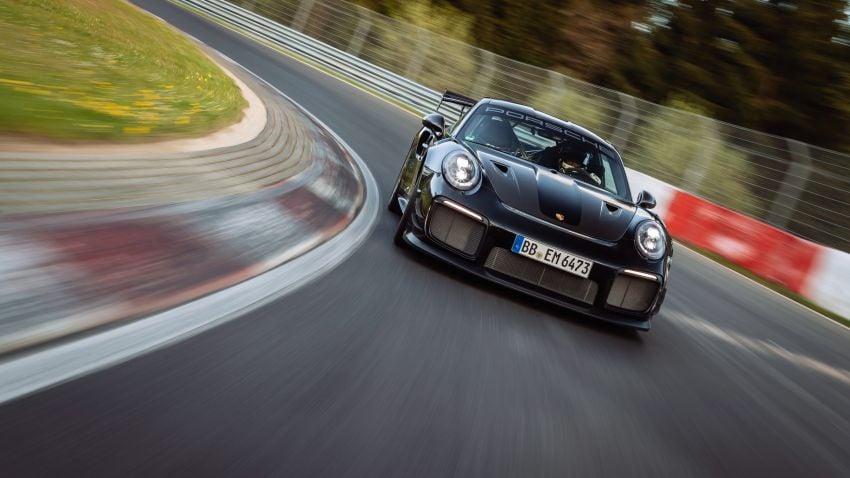 Porsche 911 GT2 RS dengan Manthey Performance Kit kini kereta produksi terpantas di Nürburgring – 6:43.3! Image #1311716