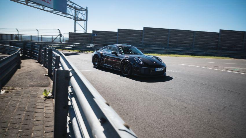 Porsche 911 GT2 RS dengan Manthey Performance Kit kini kereta produksi terpantas di Nürburgring – 6:43.3! Image #1311715