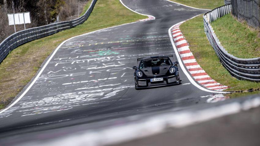 Porsche 911 GT2 RS dengan Manthey Performance Kit kini kereta produksi terpantas di Nürburgring – 6:43.3! Image #1311712