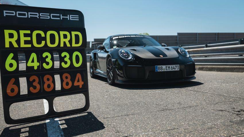 Porsche 911 GT2 RS dengan Manthey Performance Kit kini kereta produksi terpantas di Nürburgring – 6:43.3! Image #1311728