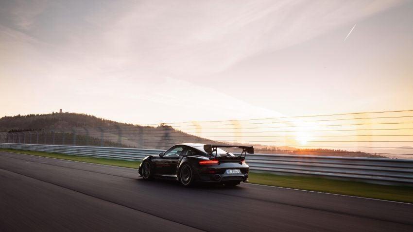 Porsche 911 GT2 RS dengan Manthey Performance Kit kini kereta produksi terpantas di Nürburgring – 6:43.3! Image #1311721
