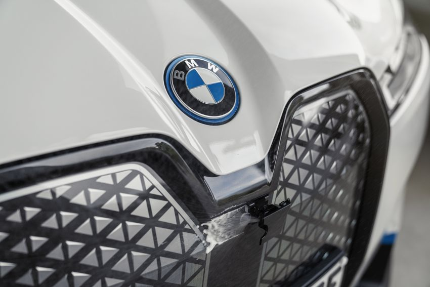BMW iX fully detailed – power, range bumped slightly to up to 523 PS, 630 km; new M60 with over 600 PS Image #1302121