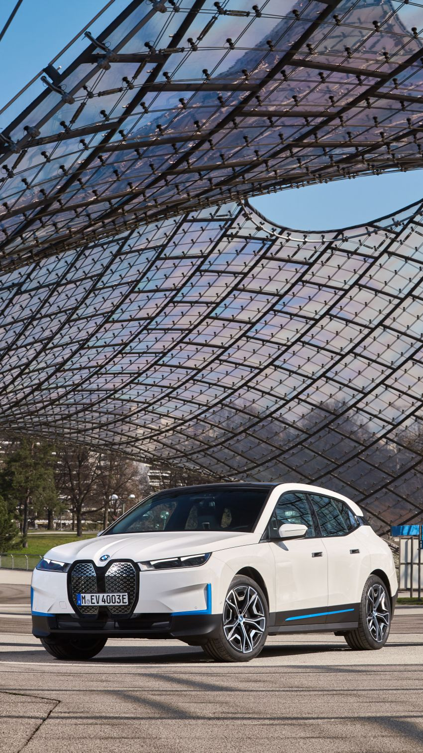 BMW iX fully detailed – power, range bumped slightly to up to 523 PS, 630 km; new M60 with over 600 PS Image #1301723