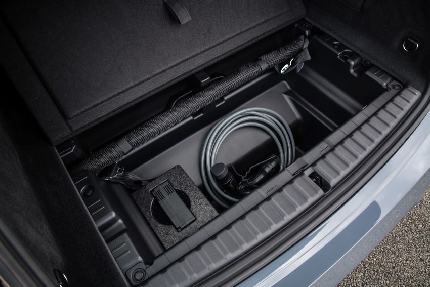 BMW iX fully detailed – power, range bumped slightly to up to 523 PS, 630 km; new M60 with over 600 PS Image #1301905