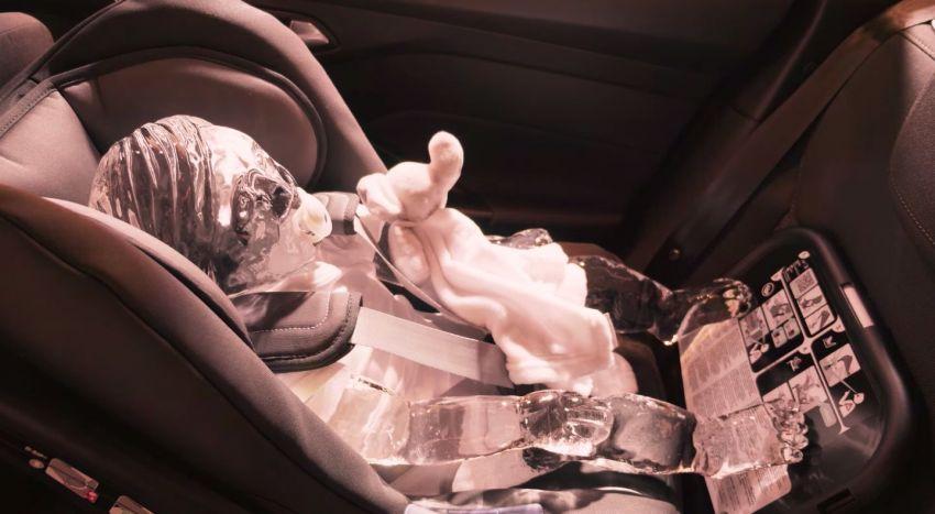 Ford buat demonstrasi bahaya haba dalam kereta dengan ais berbentuk kanak-kanak dan haiwan Image #1311697