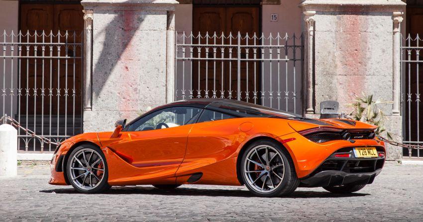 New McLaren Artura in Azores Orange to debut in Italy Image #1304820
