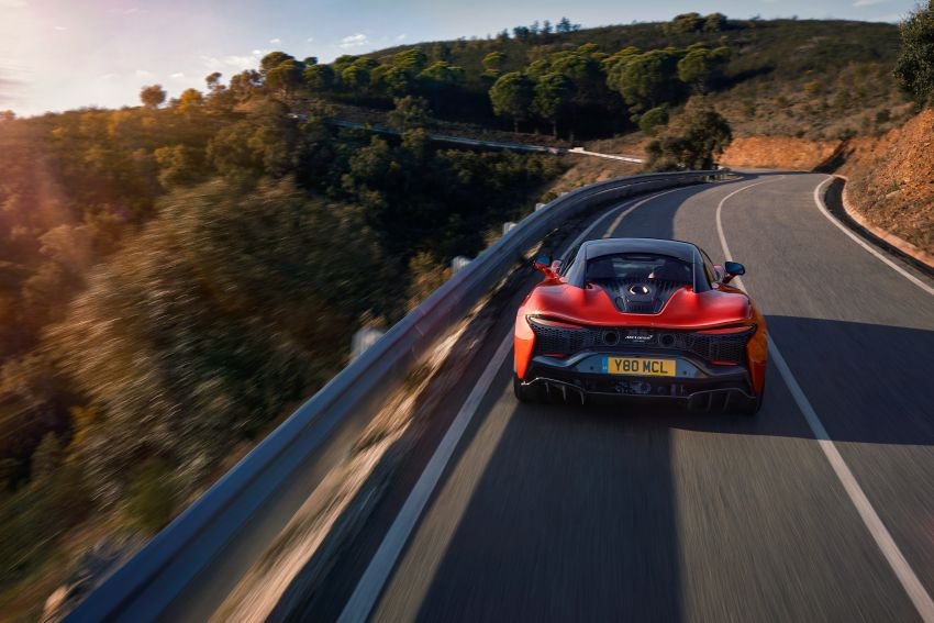 New McLaren Artura in Azores Orange to debut in Italy Image #1304825