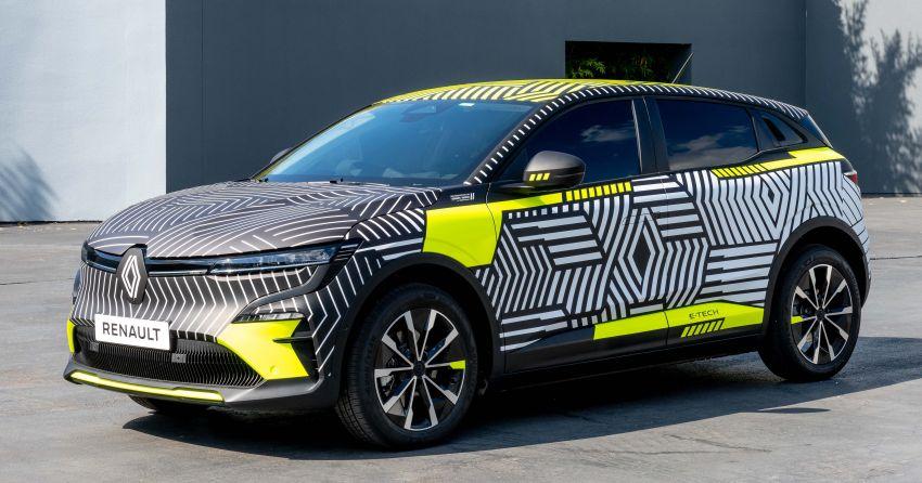 Renault Megane E-Tech Electric pre-production car shown; 217 hp motor, 60 kWh battery; 450 km range Image #1304213