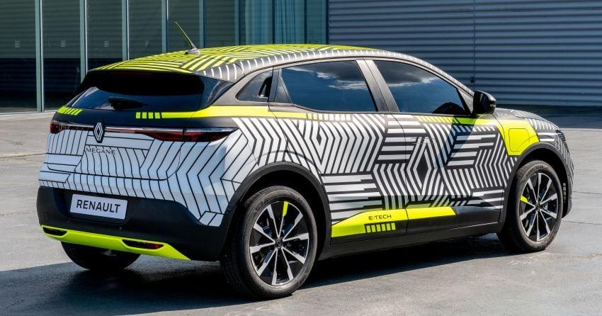 Renault Megane E-Tech Electric pre-production car shown; 217 hp motor, 60 kWh battery; 450 km range Image #1304215
