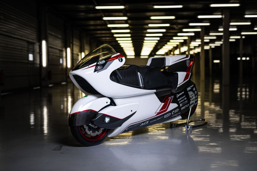 White Motorcycles aims for e-bike land speed record Image #1311419