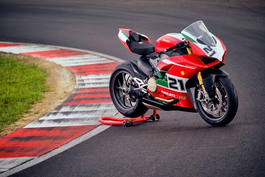 2021 Ducati Panigale V2 Bayliss celebrates 20th anniversary of Troy Bayliss' WSBK championship Image #1322342