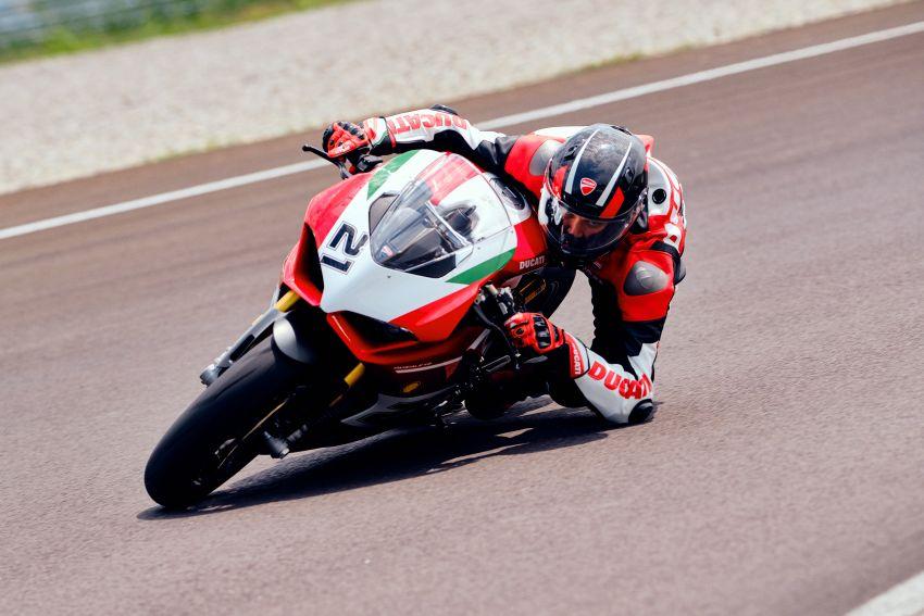 2021 Ducati Panigale V2 Bayliss celebrates 20th anniversary of Troy Bayliss' WSBK championship Image #1322347