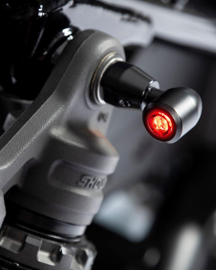 FCR Original transforms the Honda CMX1100 Rebel Image #1318222