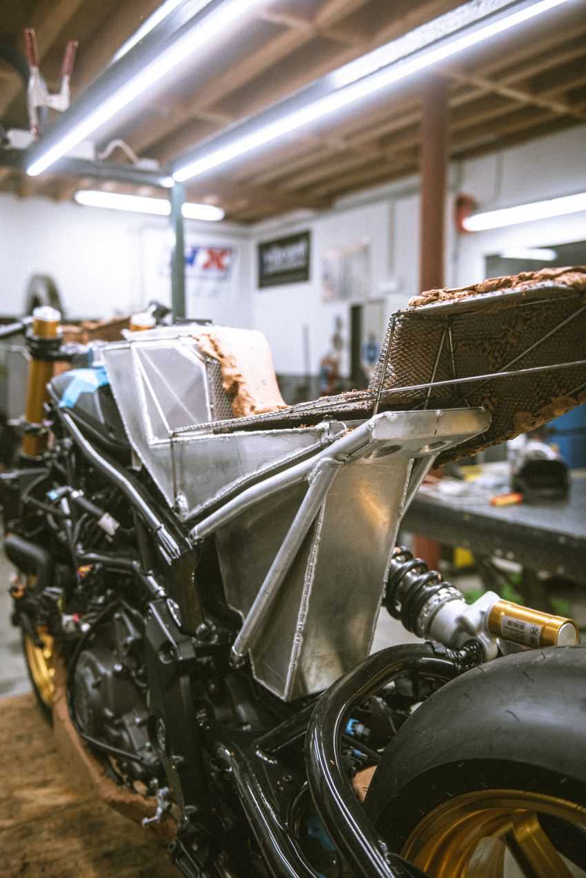 """Workhorse Speed Shop builds """"Black Swan"""" and """"FTR AMA"""", based on Indian Motorcycle FTR flat tracker Image #1323386"""