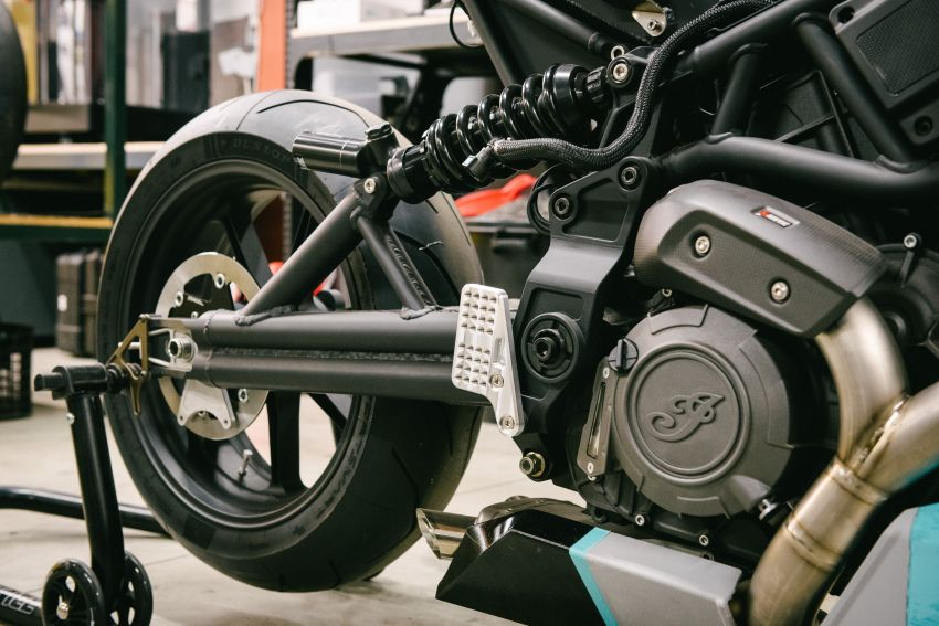 """Workhorse Speed Shop builds """"Black Swan"""" and """"FTR AMA"""", based on Indian Motorcycle FTR flat tracker Image #1323355"""