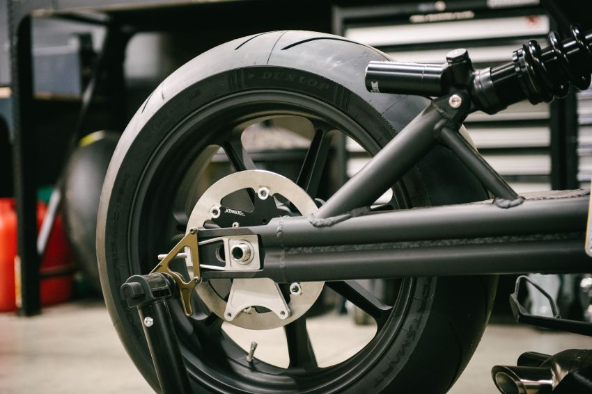 """Workhorse Speed Shop builds """"Black Swan"""" and """"FTR AMA"""", based on Indian Motorcycle FTR flat tracker Image #1323366"""