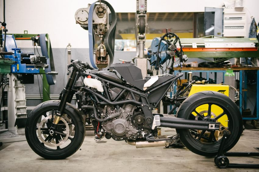 """Workhorse Speed Shop builds """"Black Swan"""" and """"FTR AMA"""", based on Indian Motorcycle FTR flat tracker Image #1323327"""