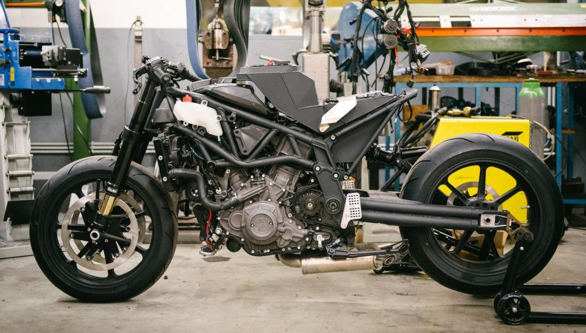 """Workhorse Speed Shop builds """"Black Swan"""" and """"FTR AMA"""", based on Indian Motorcycle FTR flat tracker Image #1323400"""