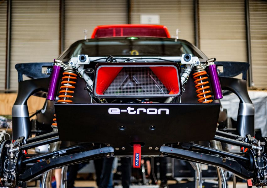 Audi RS Q e-tron – twin motor electric off-roader, TFSI engine to recharge battery; to race in 2022 Dakar Rally Image #1322883
