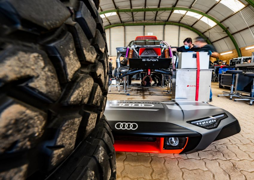Audi RS Q e-tron – twin motor electric off-roader, TFSI engine to recharge battery; to race in 2022 Dakar Rally Image #1322884